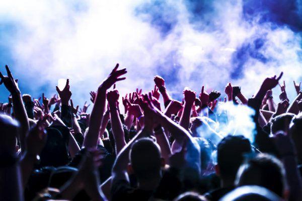 """<p class=""""title"""">Bonkers im Prachtclub</p><p>Im Conrad Sohm wird am Freitag, ab 22 Uhr, zu besten Tracks der 90er und 2000er gefeiert! Eintritt ist ab 18 Jahren.</p>"""
