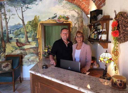 Silvia Huber und Berndt Bösch freuen sich über Besuch aus dem Ländle.