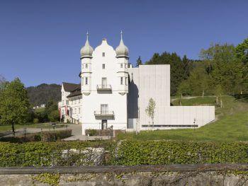"""<p class=""""caption"""">Schloss Hofen – das Wissenschafts- und Weiterbildungszentrum des Landes Vorarlberg und der FH Vorarlberg.</p>"""