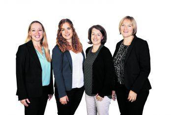 "<p class=""caption"">Bestens beraten mit den Sardinien- und Elba-Spezialistinnen Andrea Schmidt, Claudia Barberi, Barbara Greussing, Nadja Nachbaur (v.l.).</p>"