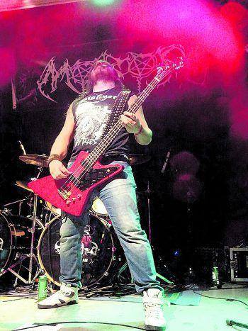 """Christian """"Stämpfe"""" Stampfer, Bassist bei Moros und Stallion, präsentiert für WANN & WO seine Top 10 von lokalen Metalbands aus dem Ländle und der Umgebung! Foto: handout/privat"""