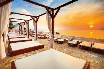 """<p class=""""caption"""">Das Hotel Melia Coral**** in Kroatien eignet sich bestens für romantische Tage am Meer.</p>"""