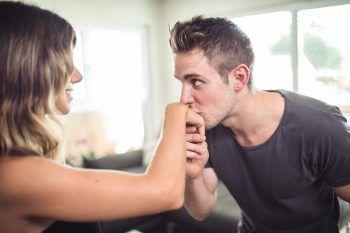 Am Anfang einer Beziehung ist immer noch alles so schön romantisch. Symbolfoto: Sams