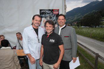 """<p class=""""caption"""">Herbert und Manuel Bitschnau mit Thomas Zudrell.</p>"""
