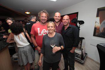 """<p class=""""caption"""">Jörg und Yvonne Amann mit Denis Djulic und Michael Gamon.</p>"""