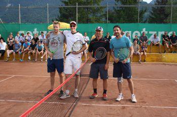 """<p class=""""caption"""">Lukas Klien mit Philipp Schallert und Manuel Dünser mit Lukas Mayer.</p>"""