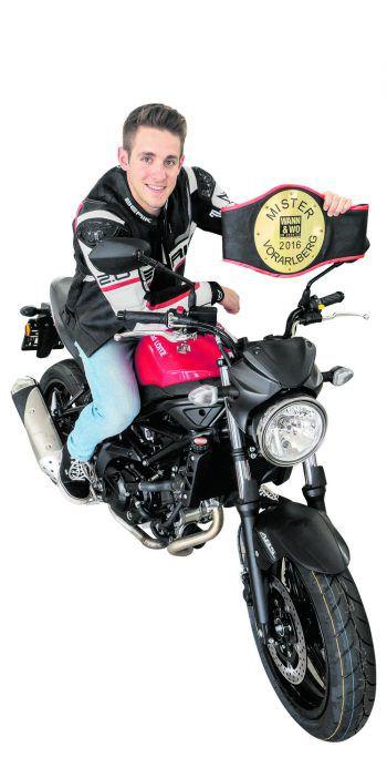 Im Oktober wird es spannend! Wer wird wohl als Mister 2017 den Gürtel vom Ex-Mister Steven überreicht bekommen und mit der Suzuki SV 650 nach Hause fahren?