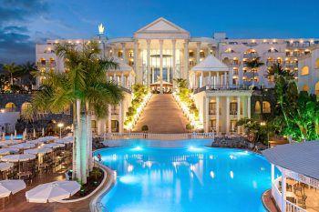 Im wunderbaren Hotel Bahia Princess**** können die Reisenden entspannen.