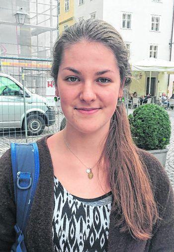 """<p>Anna, 19, Silbertal: """"Ich finde das Ganze sehr kindisch. Die Politker haben damit ihre Vorbildfunktion verloren. Trotzdem lasse ich mich in meiner Wahl nicht beeinflussen, da ich mir mein eigenes Urteil bilde.""""</p>"""