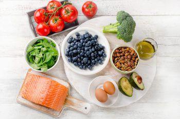 """<p class=""""title"""">                Mehr  Vitamine             </p><p>Neben vitaminreichem Obst sollte mit Herbstgemüse gekocht werden. Dazu zählen Kürbis, Grünkohl, Kohlrabi, Brokkoli und Kartoffeln, die zugleich zuverlässige Vitamin C Lieferanten sind.</p>"""