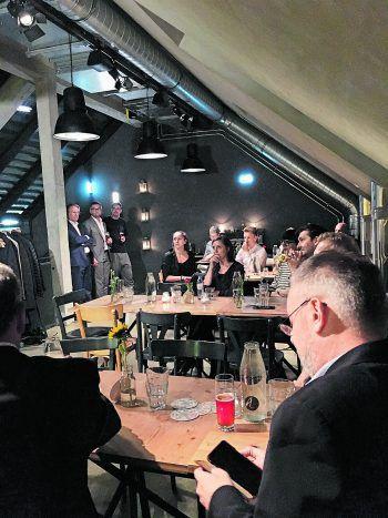 <p>Ludwig & Adele. Ausklang: Medienempfang beim Wälder Gastronomen Luke Bereuter in seinem Wiener Lokal.</p>