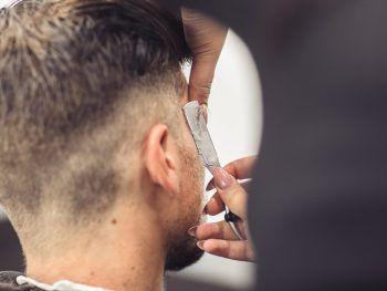 "<p class=""caption"">Trimmen, schneiden, rasieren.</p>"