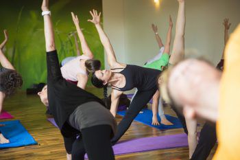 Daniela Metelko-Micheluzzi bietet Yoga-Kurse für alle an.Fotos: handout/Yoga4all