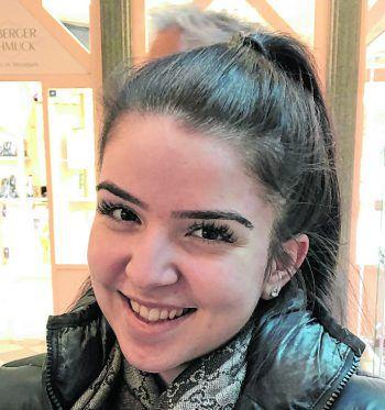 """<p>Nicole, 19, Lustenau: """"Ich bin absolut kein Wintermensch. Für mich könnte es das ganze Jahr Sommer sein. Es wird vieles einfach komplizierter, Man braucht Winterreifen und vieles mehr.""""</p>"""