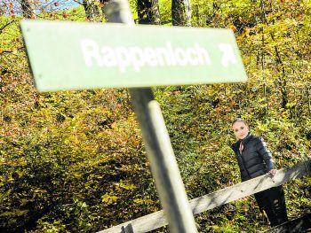 """<p class=""""title"""">               Rappenloch             </p><p class=""""title"""" /><p>Atemberaubende Felsen und tiefe Schluchten zeigen sich in der Rappenlochschlucht – ein Ausflugsziel für die ganze Familie.</p>"""
