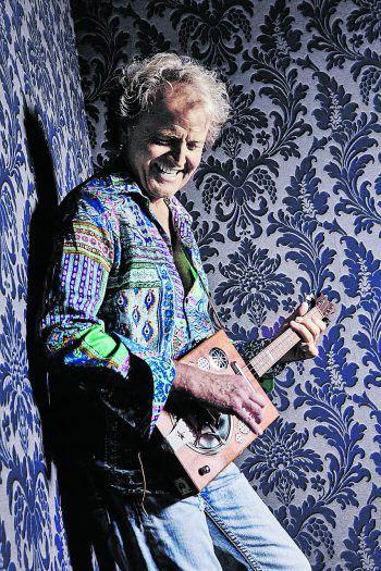 Benni Bilgeri zählt zu den besten Gitarristen aus Vorarlberg. Foto: Christian Holzknecht