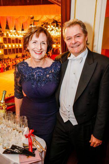 """Die """"Tanz ins Glück""""-Gewinner Marlene und Günter waren sichtlich begeistert vom legendären Spektakel in der Wiener Staatsoper. Fotos: handout Casinos Austria/Christian Husar"""