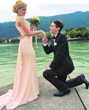 """Melissa und Engelbert Iglseder             Das junge Paar feiert dieses Jahr schon ihren dritten Hochzeitstag. """"Wir sind sehr stolz darauf, dass die Liebe immer noch so stark ist, wie am ersten Tag. Es wäre genial, wenn wir an diesem besonderen Tag mit dabei sein dürften und einen tollen Abend genießen könnten"""", erzählt Melissa."""