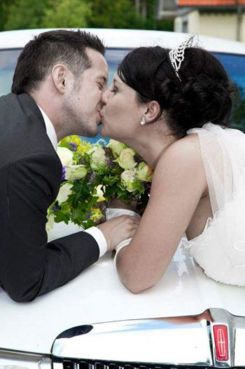 """<p class=""""title"""">               Sonja und Heinrich Pressel             </p><p>Sonja und ihr Mann Heinrich sind bereits seit acht Jahren ein Paar und leben zusammen mit ihren vier Kindern in Bregenz. Auch sie wünschen sich, noch einmal ihren Hochzeitstag erleben zu dürfen. """"Wir würden uns über den Gewinn sehr freuen und hoffen, dass wir beim 'Remember Your Wedding Day' teilnehmen dürfen.""""</p>"""