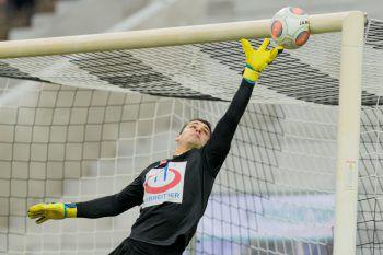Gegen Parndorf wird heute Martin Kobras das Tor der Altacher hüten. In der Bundesliga kommt dann der wieder genesene Andreas Lukse zum Zug.Fotos: GEPA, APA