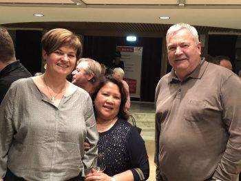 """<p class=""""caption"""">Didi Brunner (rechts) mit Gattin Ulrike und Gene Isidro.</p>"""