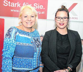 "<p class=""caption"">Projektleiterin Petra Lang und Brigitte Albu.</p>"