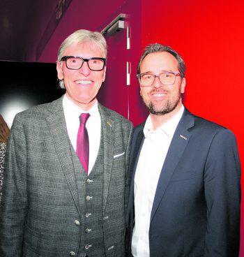 """<p class=""""caption"""">Wilfried Hopfner mit W&W-Anzeigenleiter Markus Kirschner.</p>"""