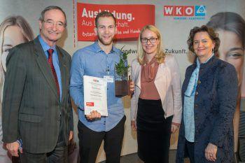 WKÖ-Präsident Christoph Leitl, Daniel Versluis, Margarete Schramböck und Renate Scheichelbauer-Schuster gratulierten zum Erfolg.Foto: www.fotoweinwurm.at