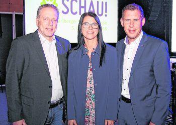 """<p class=""""caption"""">AK-Präsident Hubert Hämmerle mit Vize-Präsidentin Jutta Gunz und Bernhard Heinzle.</p>"""