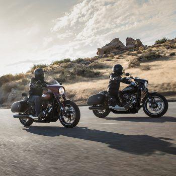 """<p class=""""caption"""">So sehen Träume aus – zwei Freunde, ein Highway und Freiheit auf zwei Rädern! Kann man sich noch Schöneres wünschen?</p>"""