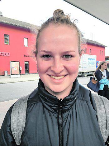 """<p>Anna, 20, Dornbirn: """"Überall wäre meiner Meinung nach übertrieben, an einem Bahnhof sollte es aber ein Verbot geben, ansonsten gibt es kein gutes Bild für Touristen ab. Man muss nicht allerorts alkoholisiert sein.""""</p>"""