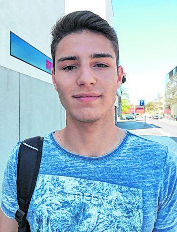 """<p>Batuhan, 17, Bregenz: """"Es wäre klüger, wenn man einen einheitlichen Jugendschutz hätte und ihn nicht von Bundesland zu Bundesland immer ändert. Das wäre meiner Meinung nach auch besser für die Jugendlichen selbst.""""</p>"""