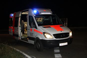 Bei dem Zusammenstoß verletzte sich der Mopedlenker schwer.Symbolfoto: Russmedia