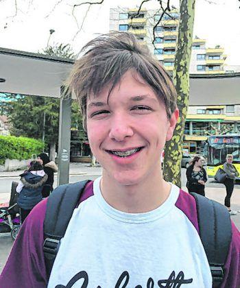 """<p>Bjarne, 15, Frastanz: """"Prinzipiell bin ich für ein Verbot. Ich finde aber, dass es auf die Lage ankommt. Man sollte darauf achten, dass nicht übertrieben wird, was den Alkoholkonsum angeht.""""</p>"""