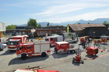 Die Dammbeobachtung und die Kommunikation mit der Einsatzleitung wurde geübt.