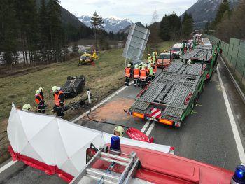 Die S16 musste gestern wegen des Unfalls in beiden Richtungen für rund zwei Stunden gesperrt werden.Foto: Hofmeister