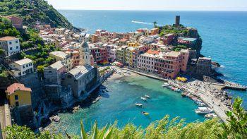 Die wunderschöne Landschaft in der Cinque Terre an der ligurischen Küste kann bei verschiedenen Wanderungen erkundet werden.
