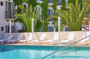"""<p class=""""caption"""">Ein stylischer Poolbereich ergänzt das Angebot des Cupido Boutique Hotels. </p>"""