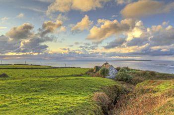 Eine wunderschöne Naturvielfalt erwartet die Reisenden in Irland.