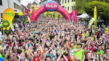 Erneut verwandelte sich die Alpenstadt Bludenz in den Hot-Spot für alle Laufsport-Begeisterten. Tausende Hobby- und Profi-Runner waren am Start.Fotos: Oliver Lerch (1), Arno Meusburger