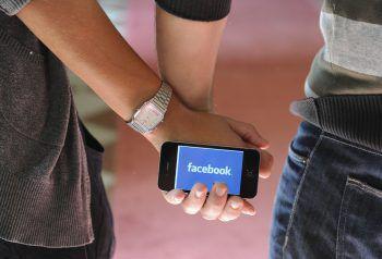 """""""Facebook kann keine echten Freundschaften ersetzen"""", sagen die Autoren."""