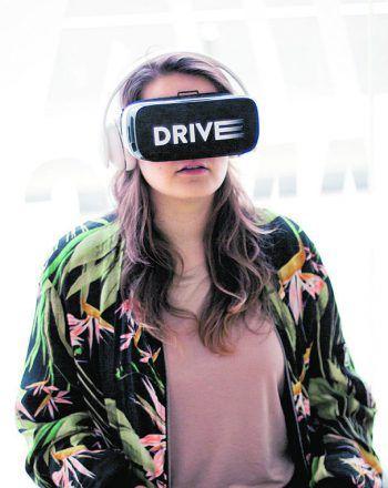 Fahranfänger lernen in der VR, auf Gefahren zu reagieren.Foto: ÖAMTC