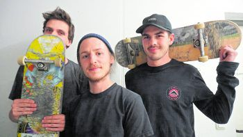 Die Skater Lennart Illmer, Kenneth Auer und Theodor Fohn hinterfragen den Bau eines Skateparks in Dornbirn.Fotos: WANN & WO, MiK