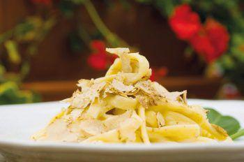 Auch kulinarische Highlights erwarten die Gäste in den Destinationen.