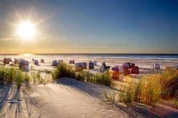 """<p class=""""caption"""">Die Nordseeinsel Borkum ist ganzjährig von Seewasser umgeben und die Luft ist besonders pollenarm und reich an Jod. Fotos: handout/NKG Reisen</p>"""
