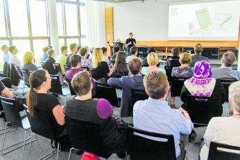 Große Aufregung herrschte unter den Jugendlichen bei der Präsentation der Arbeiten. Fotos: handout/Code Base, Sams
