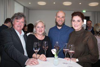 """<p class=""""caption"""">Hugo und Brigitte Zimmermann, Patrick Schmidt und Carina Zimmermann.</p>"""