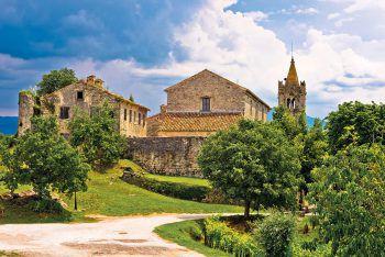 """<p class=""""caption"""">Die Stadt Hum in Kroatien gilt mit 30 Einwohnern als kleinste Stadt der Welt. </p>"""