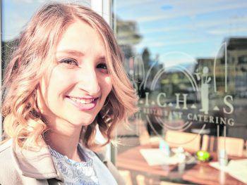 """<p class=""""caption"""">In Michis Cafe genießt man Kuchen und gutbürgerliche Küche im Gastgarten.</p>"""