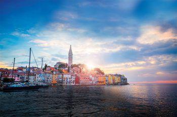 Istrien lockt mit beeindruckenden Küsten, einem malerischen Hinterland und kleinen Bergstädten, die zum Verweilen einladen. Foto: handout/High Life Reisen